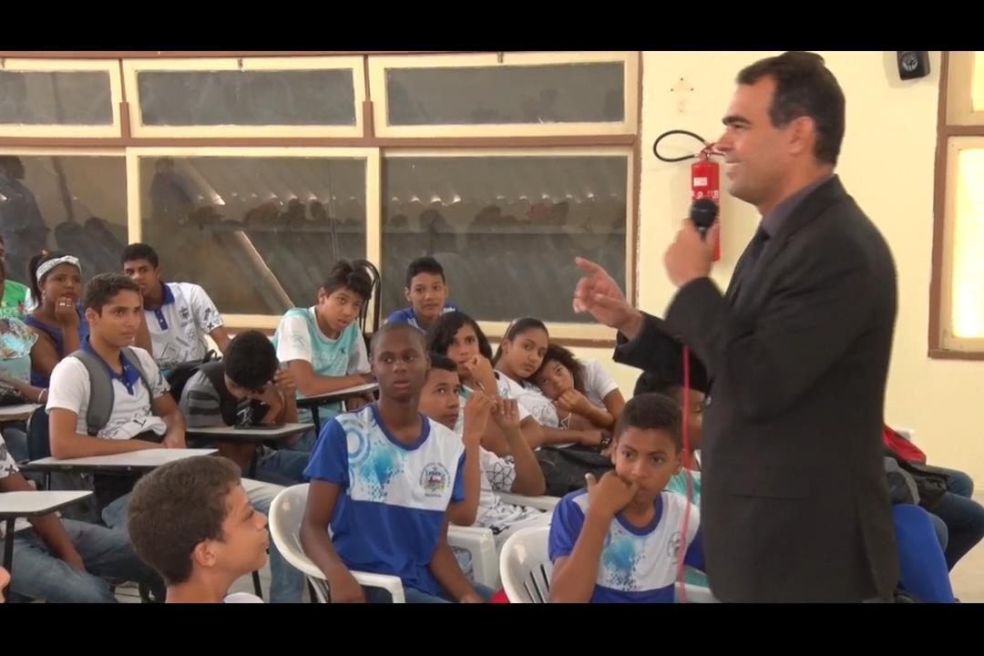 PCJE leva palestra sobre bullying para escola estadual